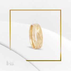 anillo acero dorado sencillo diseno geometrico