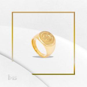 anillo acero hombre dorado san benito sencillo relieve diseño dia del padre