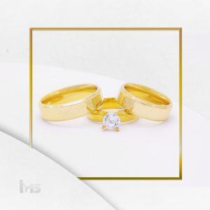 anillos-acero-dorado-con-bisel-juego-alianzas-compromiso